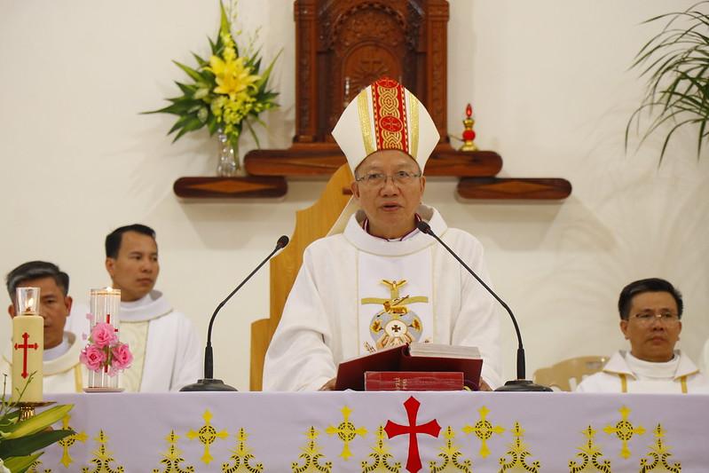 Minh Cầm (73)