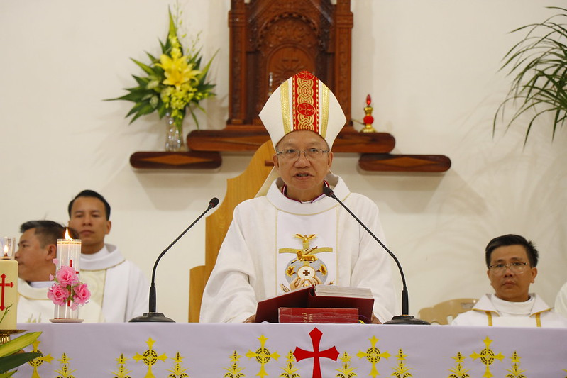 Minh Cầm (72)