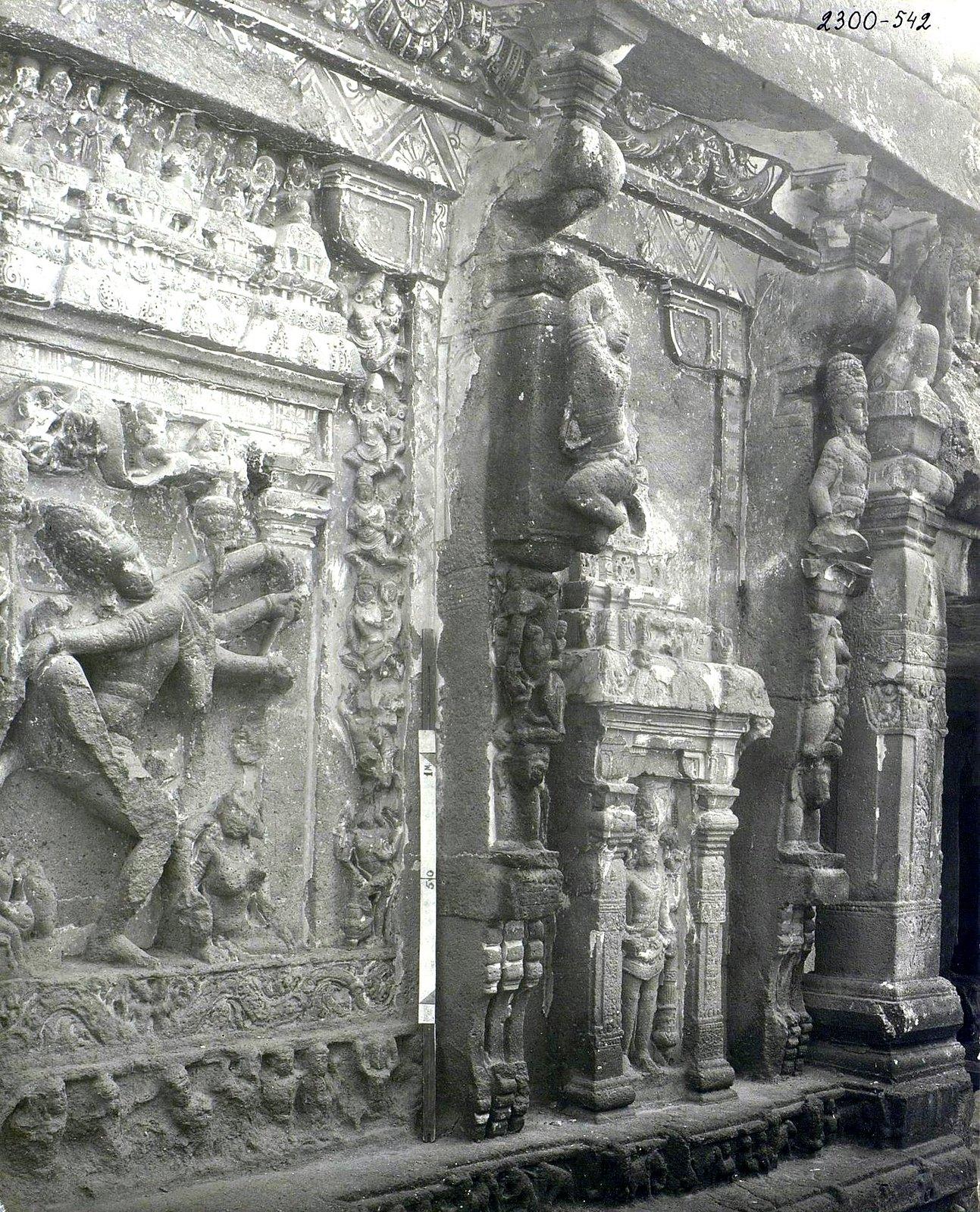 Храм Кайласа в Эллоре (детали входа) (7)