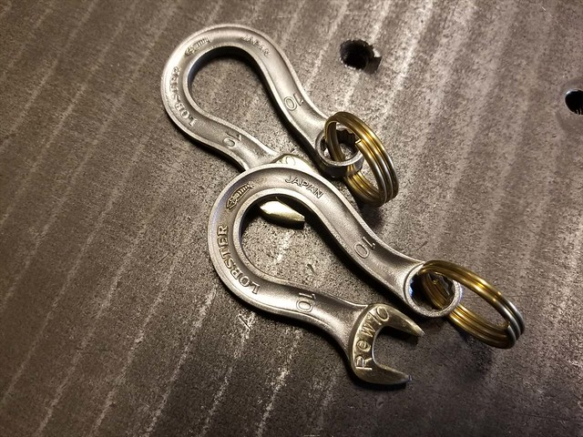 WRENCH HOOK
