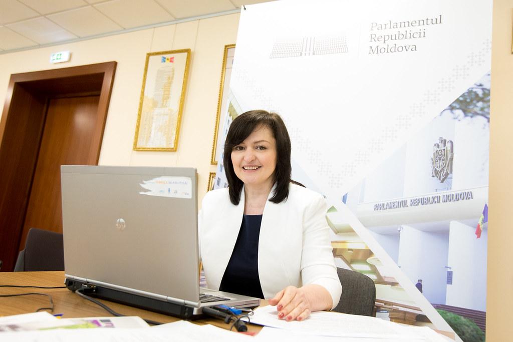 15 iunie-03 iulie Tabăra parlamentară on-line (10-18 ani).