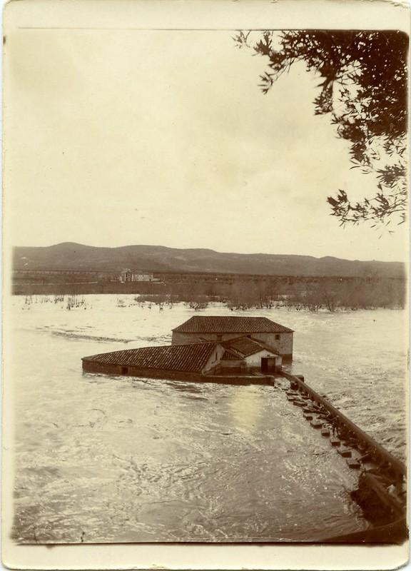 Crecida en el río Chico hacia 1910. Fotografía de Pedro Román Martínez. Doiputación de Toledo, Centro de Estudios Juan de Mariana.