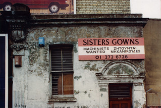 Sisters Gowns, Seven Sisters Rd, Finsbury Park, 1989 TQ3186-015