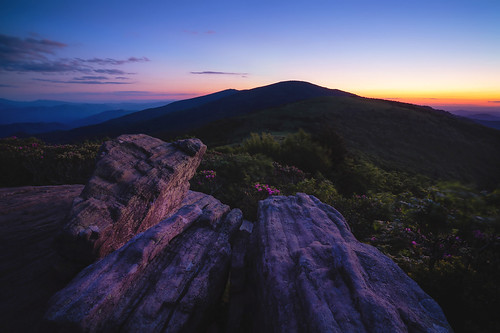 2020 sonyilce7rm2a7rii zeissbatis18mmf28 reallyrightstuff ba72l bh55 rrspcl01 tvc33 clouds landscapephotography mountains nikcollectionbydxo sunset thebluehour copyright2020 travisrhoadsphotography northcarolina tennessee roanmountain appalachiantrail roundbald janebald roanhighlands