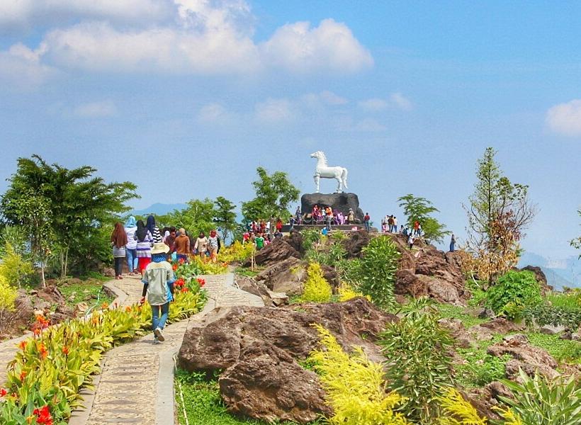 Berkunjung Ke Kebun Raya Terbesar Di Indonesia Brisik Id