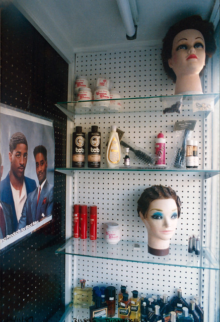 Hairdresser,  Turnpike Lane, 1989 TQ3189-015