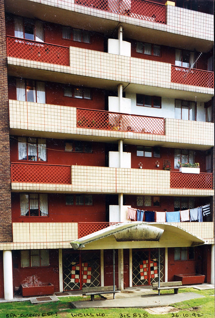 Wells House, Spa Green Estate, Rosebery Ave, Finsbury, 1992 TQ3182-017