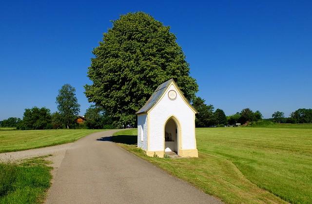 Edling - Roadside Chapel