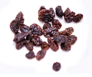 5 health extra-benefits of eating raisins every day