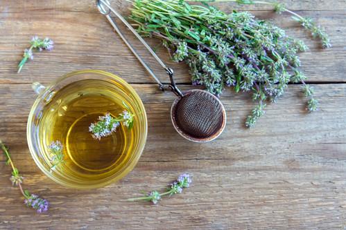 12 health benefits of thyme tea