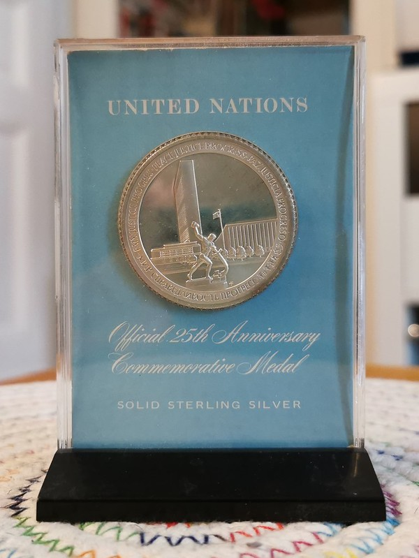United Nations 25th Anniversary Medal