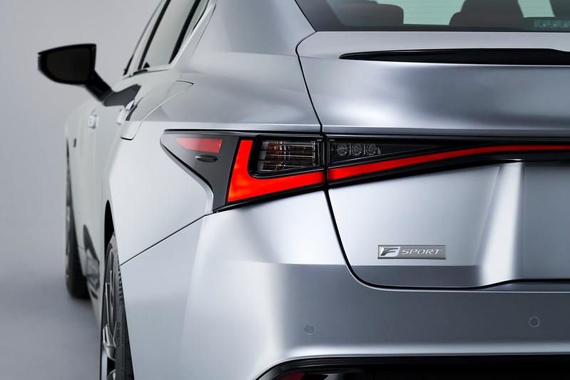 Lexus-IS (11)
