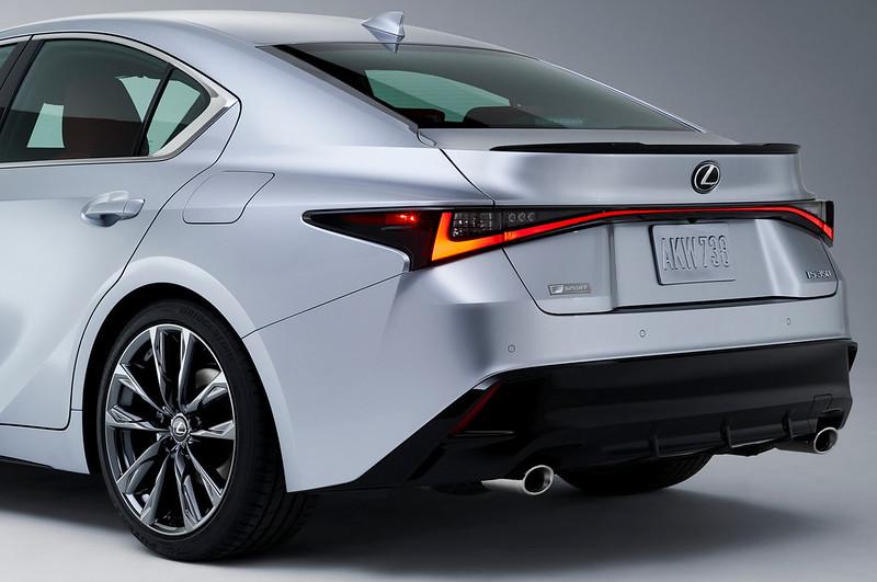 Lexus-IS (10)