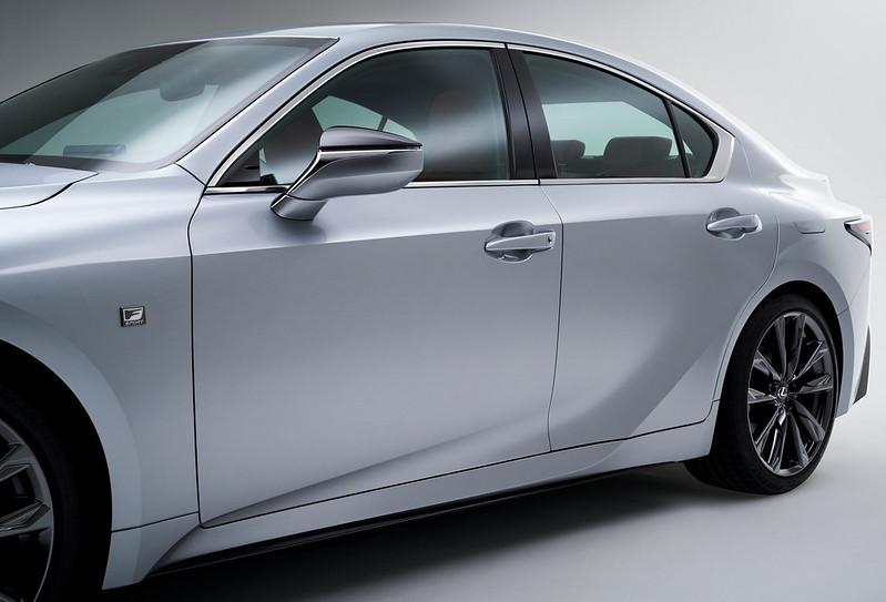 Lexus-IS (6)