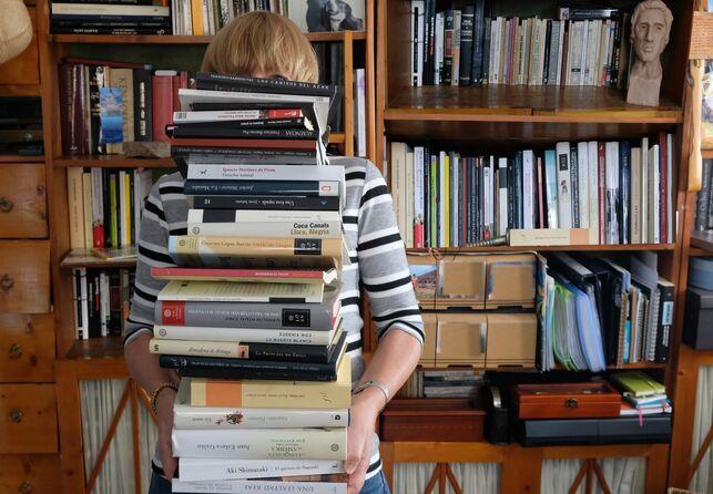 LIBROS Y OSTENTACIÓN. Matilde Bello
