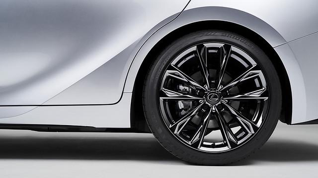 2021_Lexus_IS_F_SPORT_010