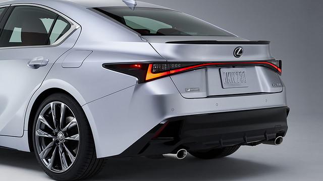2021_Lexus_IS_F_SPORT_004