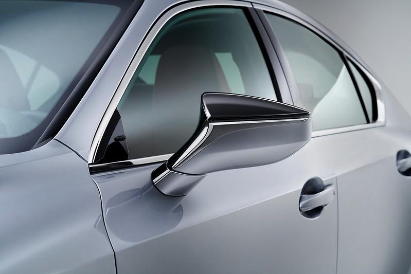 Lexus-IS (7)