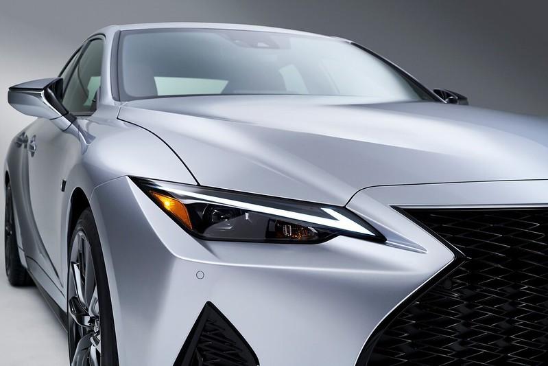 Lexus-IS (9)