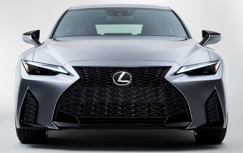 Lexus-IS (4)
