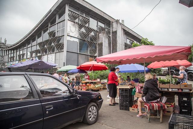 installation of a composter at Zhytniy Market, Kyiv