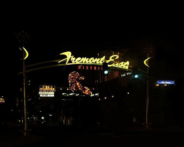 02469376423120017-125-20-06-Neon Lights Downtown Vegas-23