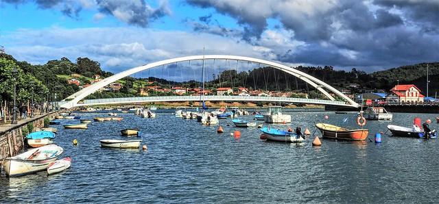 La ria y el puente de Plencia.  Vizcaya.