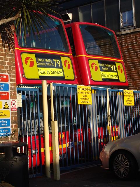 First London 32200 LT52WTE & 32211 LT52WTU