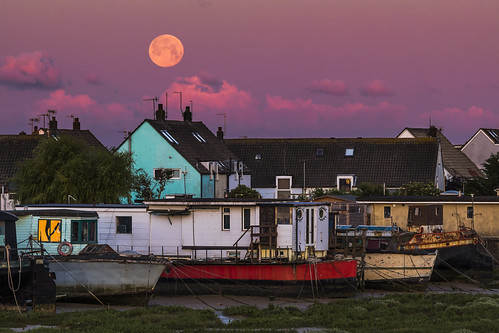 strawberrymoon rosemoon fullmoon moonset sunrise shoreham sussex england uk houseboat canon 80d 70200mmf4lis