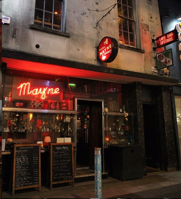 Georgina Ingham | Culinary Travels - A Guide to Cork Ireland. Arthur Maynes Pub - The Pembroke Street Entrance