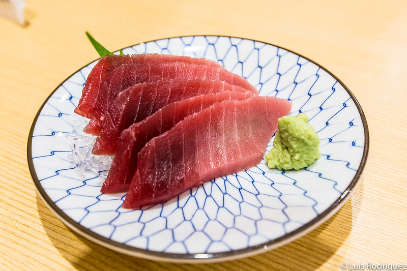 Sashimi de ventresca de atún (chutoro) en Kagura Sushi