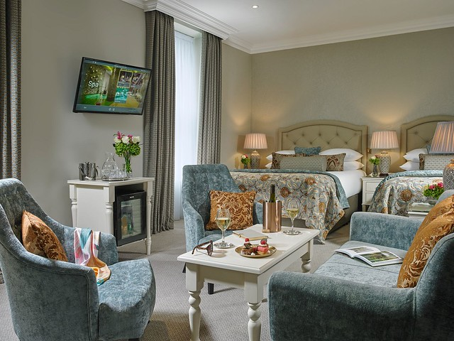 Georgina Ingham | Culinary Travels - A Guide to Cork Ireland, The Luxurious Junior Suite at The Imperial Hotel Cork City - A Fabulously Old Fashioned Hotel In the Heart of A Modern City