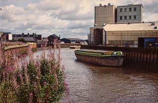 Barge Torcha and River Hull, Bankside, Hull 81-04-Hull-028_2400