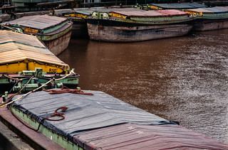 Barges in River Hull, Stoneferry, Hull 81-04-Hull-051_2400
