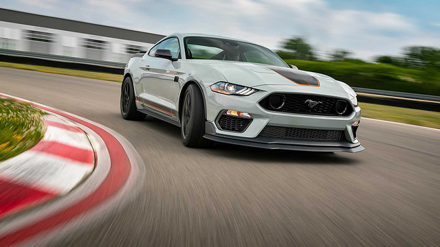 2021-ford-mustang-mach-1 (16)