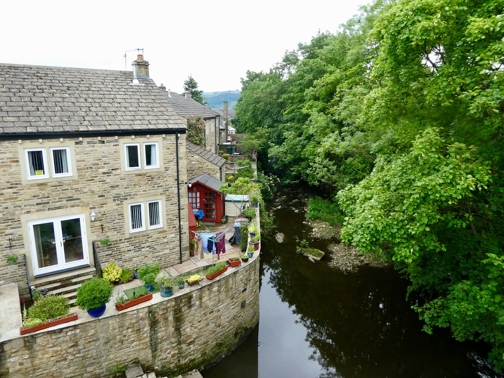 Canal side cottages, Silsden