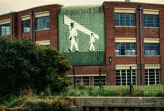 Sissons Paints, mosaic, Clough Rd, Bankside, Hull 81-04-Hull-058_2400
