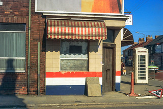 542 Hessle Rd and phone box, Hull 81-04-Hull-034_2400