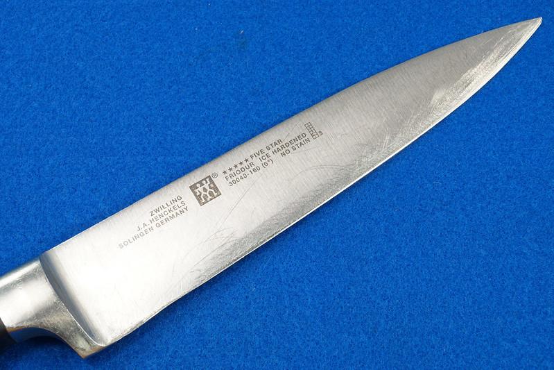 RD28700 3 Zwilling Henckles Solingen Germany 5 Star Knives Chef, Bread, Sandwich & Rod in 9 Slot Block DSC08052