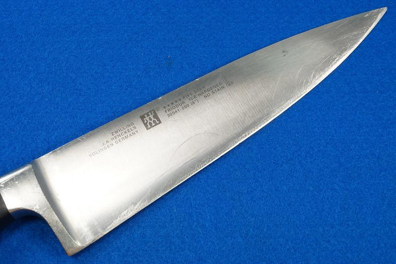 RD28700 3 Zwilling Henckles Solingen Germany 5 Star Knives Chef, Bread, Sandwich & Rod in 9 Slot Block DSC08049