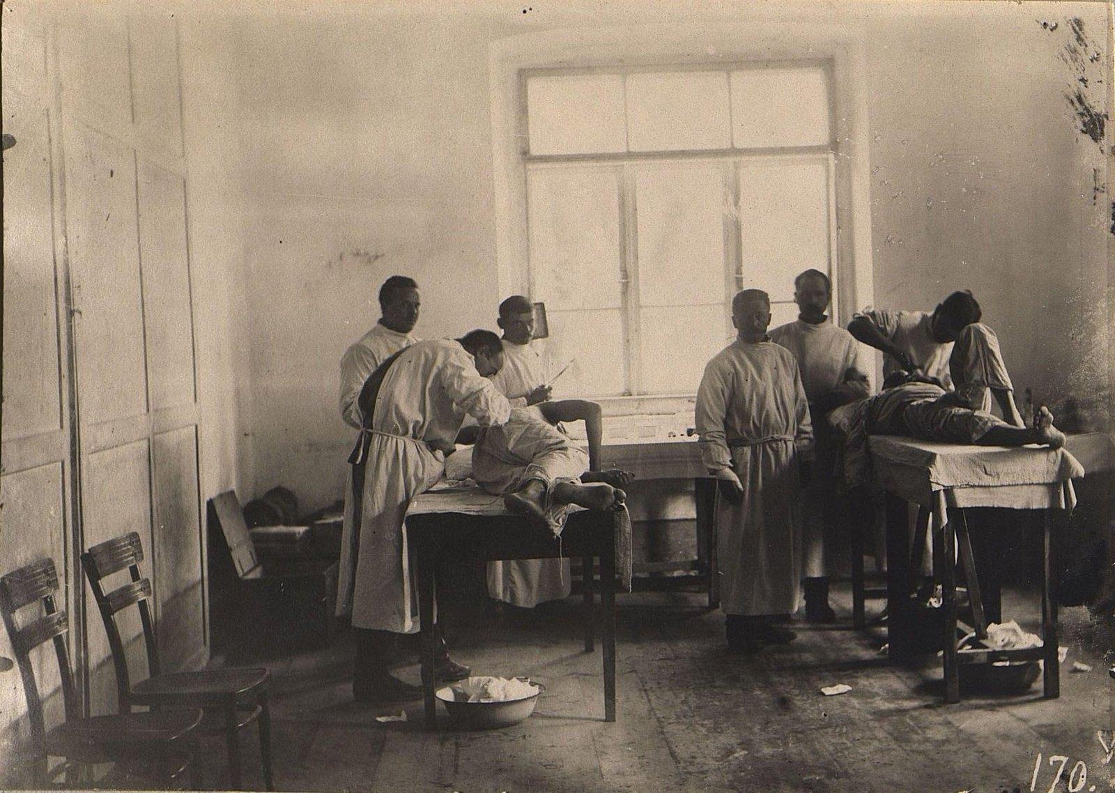 20. Операционная перевязочного отряда 34-й пехотной дивизии во время проведения операции. 1915