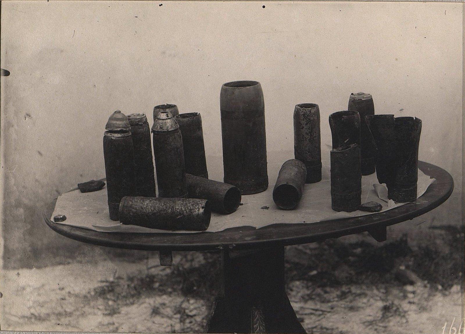 02. Стаканы нашей артиллерии, собранные после боя 31 августа у деревни Марьяновки. 1915