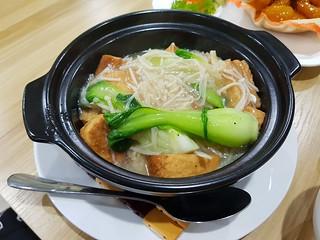 Tofu and Enoki Hot Pot at Yuan Yuan