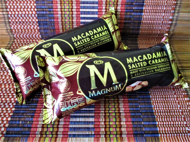 MAGNUM macadamia salted caramel