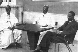 Le roi de Haute-Volta a quitté Ouagadougou pour un long séjour au restaurant à Orgelet