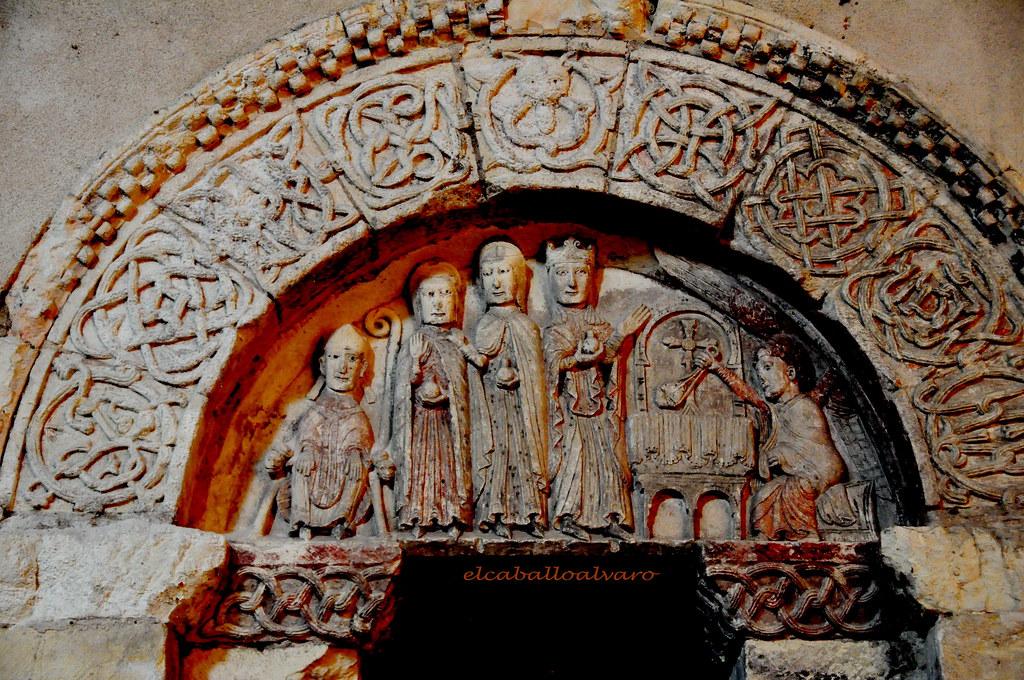 722 - Tímpano - Iglesia Santos Justo y Pastor - Segovia - Spain.