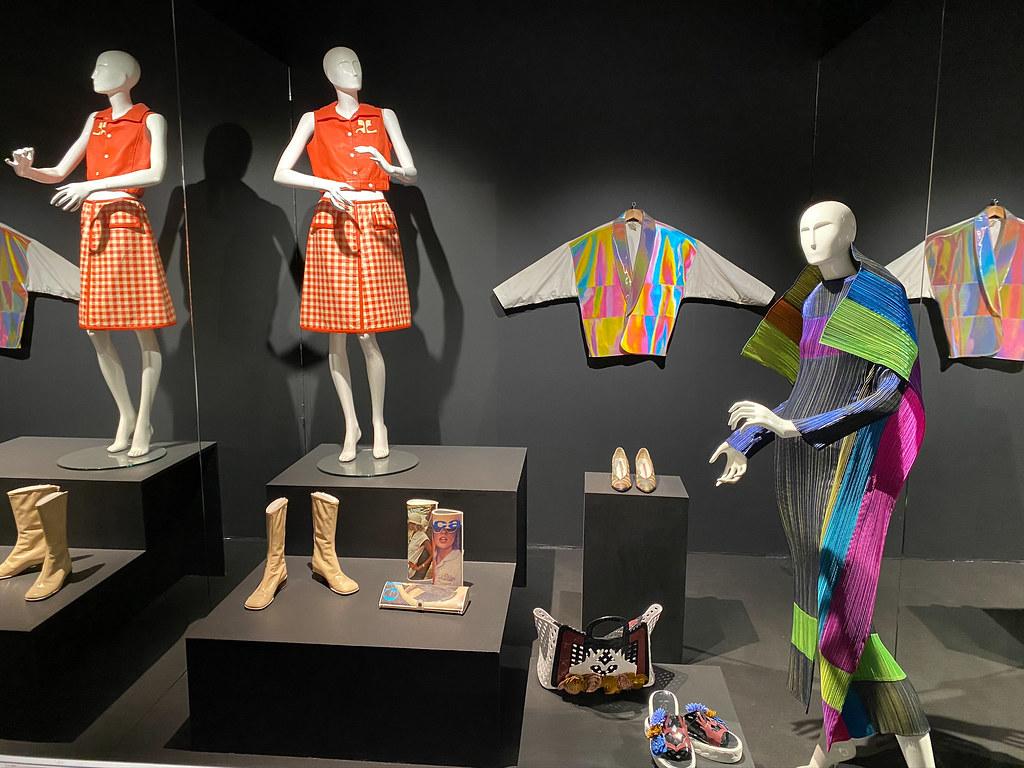Plastic fashion wear