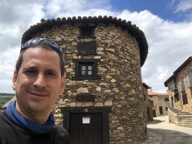Sele en Horcajuelo de la Sierra (Ruta de los pueblos negros o de pizarra en la Comunidad de Madrid)