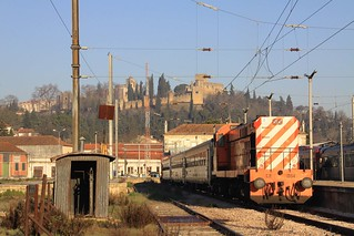 1554 at Tomar on special train 13838 to Entroncamento, 5th February 2011