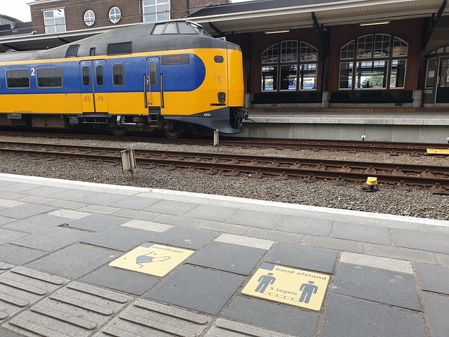 pandemic signage at Amersfoort railway station